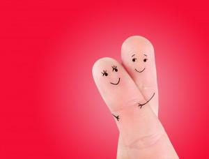 2-doigts-entrelacés